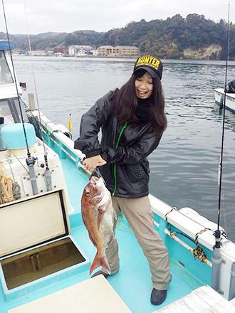 たまの休みには、好きな釣りに出かけて、自分で釣った魚をお店で提供することも