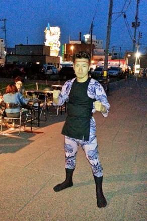 青森の祭りも大好きで、五所川原の立佞武多にも出かける。祭り衣装を身につけると気合いが入る