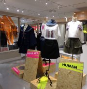 【あおもりニュース@東京】 3/6まで弘前の縫製技術が光る洋服、原宿で販売